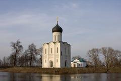 Kerk van Interventie op Rivier Nerl (Bogolubovo, Vladimir-gebied, Gouden Ring van Rusland) Stock Afbeeldingen