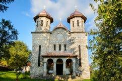 Kerk van marmer, Alun-dorp, dichtbij Hunedoara-stad, Transsylvanië, Roemenië wordt gebouwd dat stock foto's