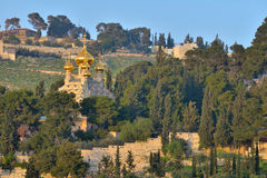 Kerk van Mary Magdalene op het Onderstel van Olijven in Jeruzalem Stock Foto