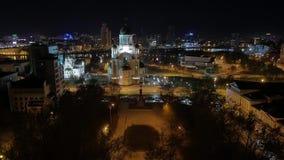 Kerk van nacht de lichte Ekaterinburg, tempel stock videobeelden