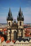 Kerk van Onze Dame vóór Týn Stock Afbeeldingen