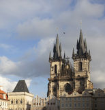 Kerk van Onze Dame vóór Tyn in Praag Stock Foto