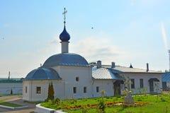 Kerk van Onze Dame van Kazan van 18de eeuw in Feodorovsky-klooster in pereslavl-Zalessky, Rusland stock fotografie