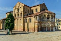 Kerk van Santa Maria e San Donato in Murano-Eiland, de Lagune van Venetië Stock Afbeelding
