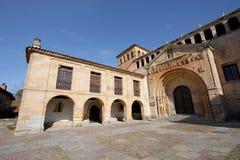 Kerk van Santillana del Mar stock fotografie