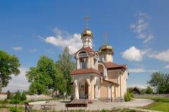 Kerk van Sinterklaas in het district van dorpsromanowicz Gomel, Wit-Rusland stock foto