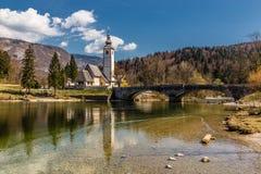 Kerk van St John doopsgezind-Ribcev Laz, Slovenië Stock Afbeeldingen