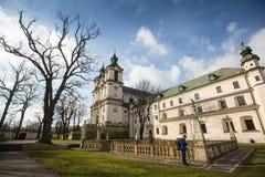 Kerk van StStanislaus-Bischop Gebouwde 1472, in 1733-1751 de kerk ontvingen een barok decor Royalty-vrije Stock Foto's