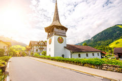 Kerk in Zwitsers dorp Royalty-vrije Stock Foto's