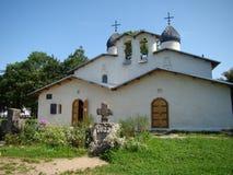 Kerken en tempels van het land van Pskov stock afbeelding