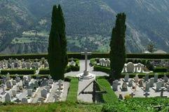 Kerkhof met een Mening Royalty-vrije Stock Afbeeldingen
