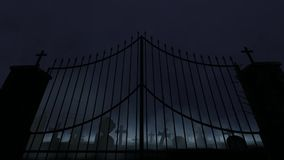 Kerkhof met oude poort, mist en regen en donder stock footage
