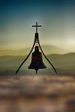 Kerkklok met kruis Royalty-vrije Stock Afbeeldingen