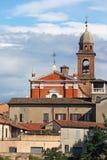 Kerktoren en gebouwencityscape Rimini Stock Afbeelding