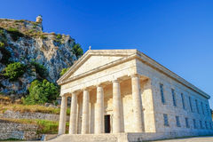 KERKYRA, KORFU, GRECE - 5. JULI 2017: St- George` s Kirche in Stockbild