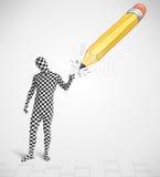 Kerl in der Körpermaske mit einem große Handgezeichneten Bleistift Stockbild