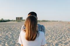 Kerl und Mädchen, hintere Ansicht Stockfotografie