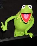 Kermit a râ, os Muppets Imagens de Stock