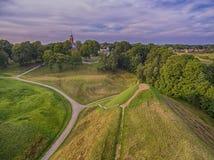 Kernave historisk huvudstad av Litauen, flyg- bästa sikt royaltyfri bild