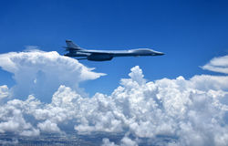 Kernbommenwerper tijdens de vlucht Stock Foto's