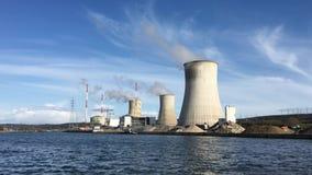 Kerncentrale, de energeticaindustrie stock videobeelden