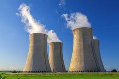 Kernenergieinstallatie Dukovany in Tsjechische Republiek Europa Stock Foto's