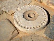 Kernos - forntida rituell sten Arkivfoto