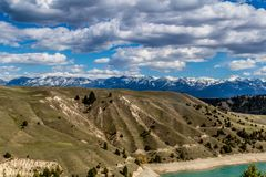 Kerr Dam, Seli'Š¡ Ksanka Qlispe' fördämning och den flathead floden Royaltyfria Foton
