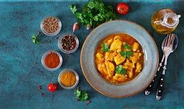 Kerrie met kip en uien Indisch voedsel Aziatische keuken stock foto's