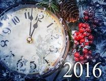 Kerstavond en Nieuwjaren bij middernacht Stock Foto