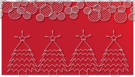 Kerstbomen en ronde sneeuwvlok op rode achtergrond Royalty-vrije Stock Afbeeldingen