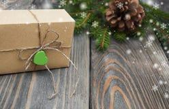 Kerstbomen met giftdoos Royalty-vrije Stock Fotografie
