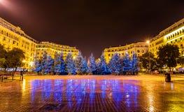 Kerstbomen op Aristotelous-Vierkant in Thessaloniki Stock Afbeelding