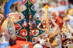 Kerstboom bij de markt royalty-vrije stock afbeeldingen
