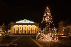 Kerstboom in de Stad Hall Square, Vilnius, Litouwen Royalty-vrije Stock Afbeeldingen