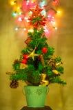 Kerstboom & Defocused-Lichten Royalty-vrije Stock Afbeeldingen