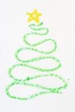 Kerstboom die in kleurpotlood wordt getrokken Stock Foto