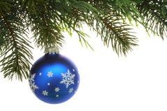 Kerstboom en Bal stock afbeelding