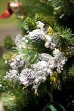 Kerstboom en decoratie Stock Foto's