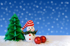 Kerstboom en sneeuwman Royalty-vrije Stock Afbeeldingen