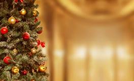 Kerstboom, giftenachtergrond December, Kerstmis van de de wintervakantie Stock Afbeeldingen
