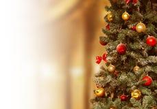 Kerstboom, giftenachtergrond December, Kerstmis van de de wintervakantie Stock Foto