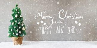 Kerstboom, Kalligrafie, Vrolijke Kerstmis en Gelukkig Nieuwjaar, Sneeuwvlokken Stock Afbeelding