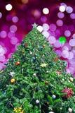 Kerstboom met abstraclicht Royalty-vrije Stock Foto's