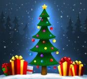 Kerstboom met giften op sneeuw Kerstmis en Nieuwjaar Royalty-vrije Stock Foto