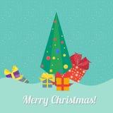 Kerstboom met giften in vlakke stijl Stock Afbeeldingen