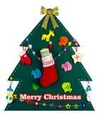 Kerstboom met met de hand gemaakt speelgoed 2017 Royalty-vrije Stock Afbeeldingen