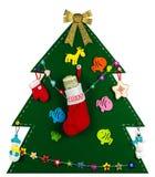Kerstboom met met de hand gemaakt speelgoed de opslag van hoogtepunt van dollars 2017 Royalty-vrije Stock Afbeeldingen