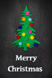 Kerstboom met speelgoed gemaakt tot †‹â€ ‹van gevoeld Royalty-vrije Stock Afbeelding