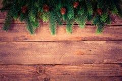 Kerstboom op oud hout Royalty-vrije Stock Afbeelding